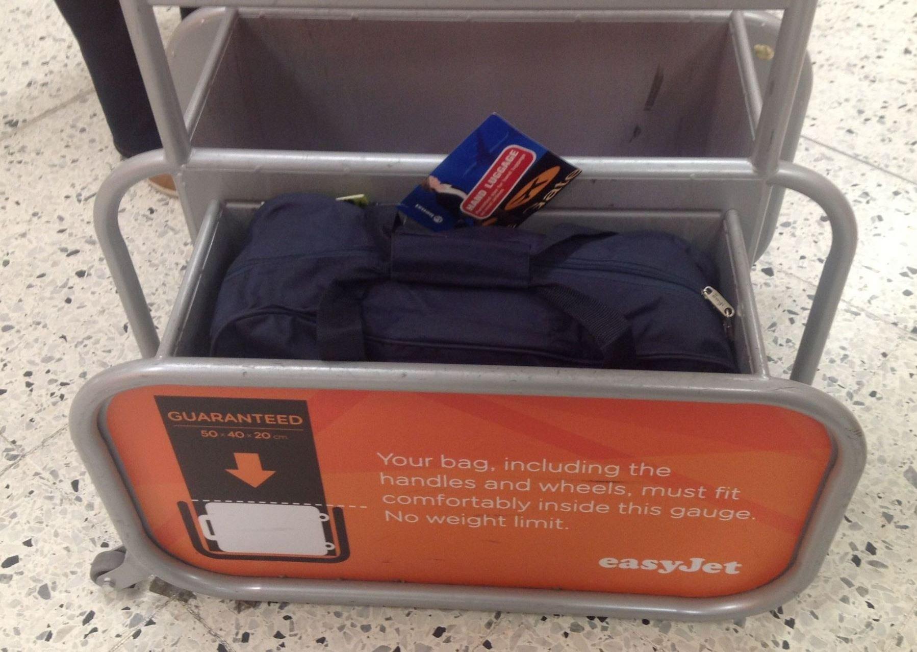 Куда сложить ручную кладь  Сумка, рюкзак и чемодан для ручной клади ... 67e924d187c