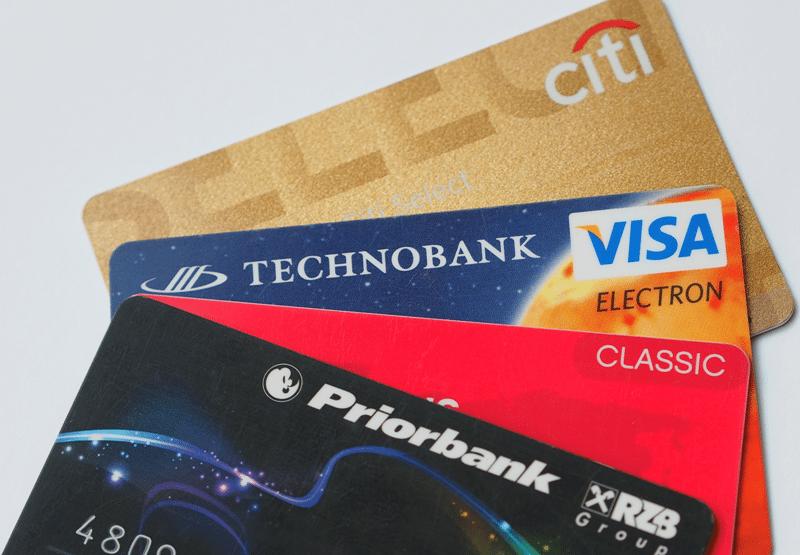 Как выбрать банковскую карту для путешествий
