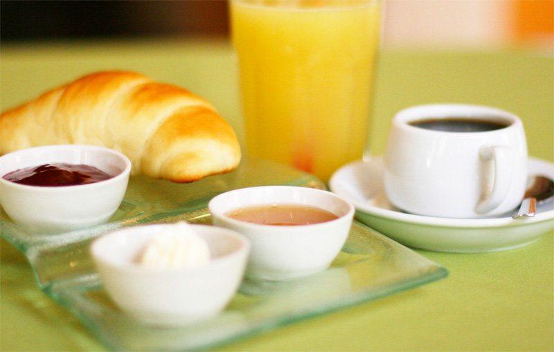Континентальный завтрак в Париже