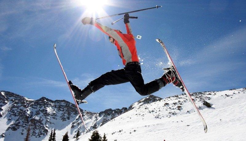 как провезти лыжи в самолете