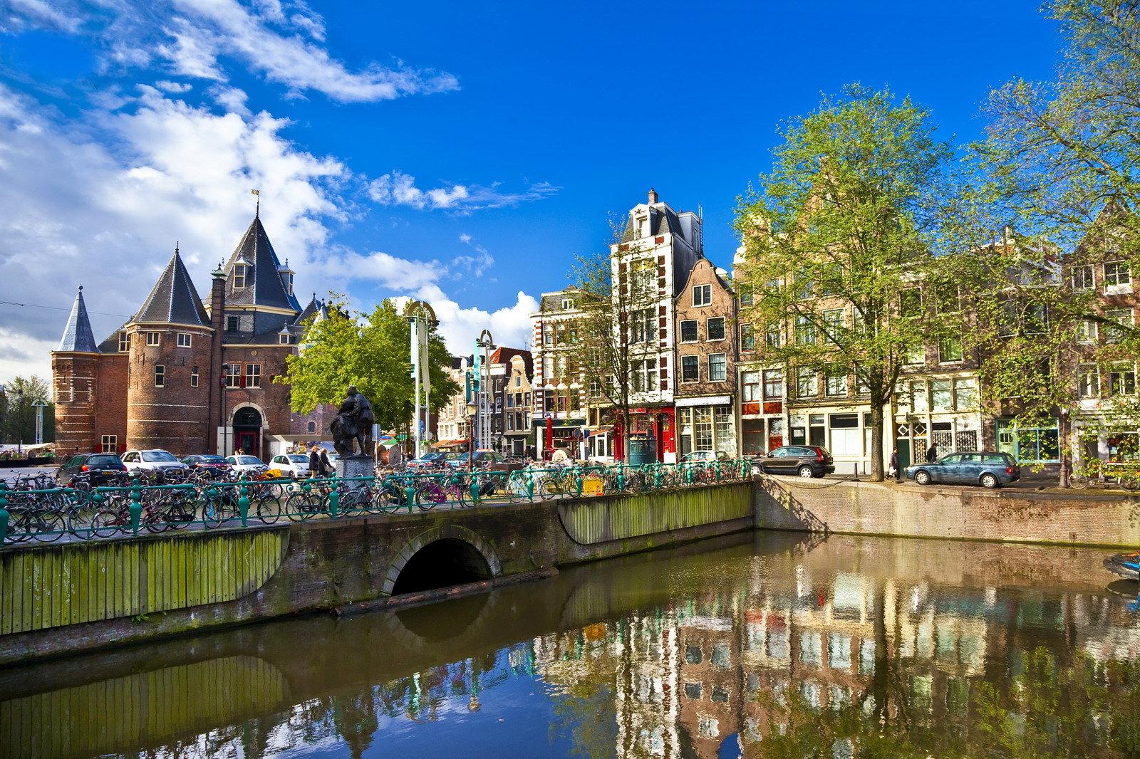 лучший аэропорт для лэйовера амстердам