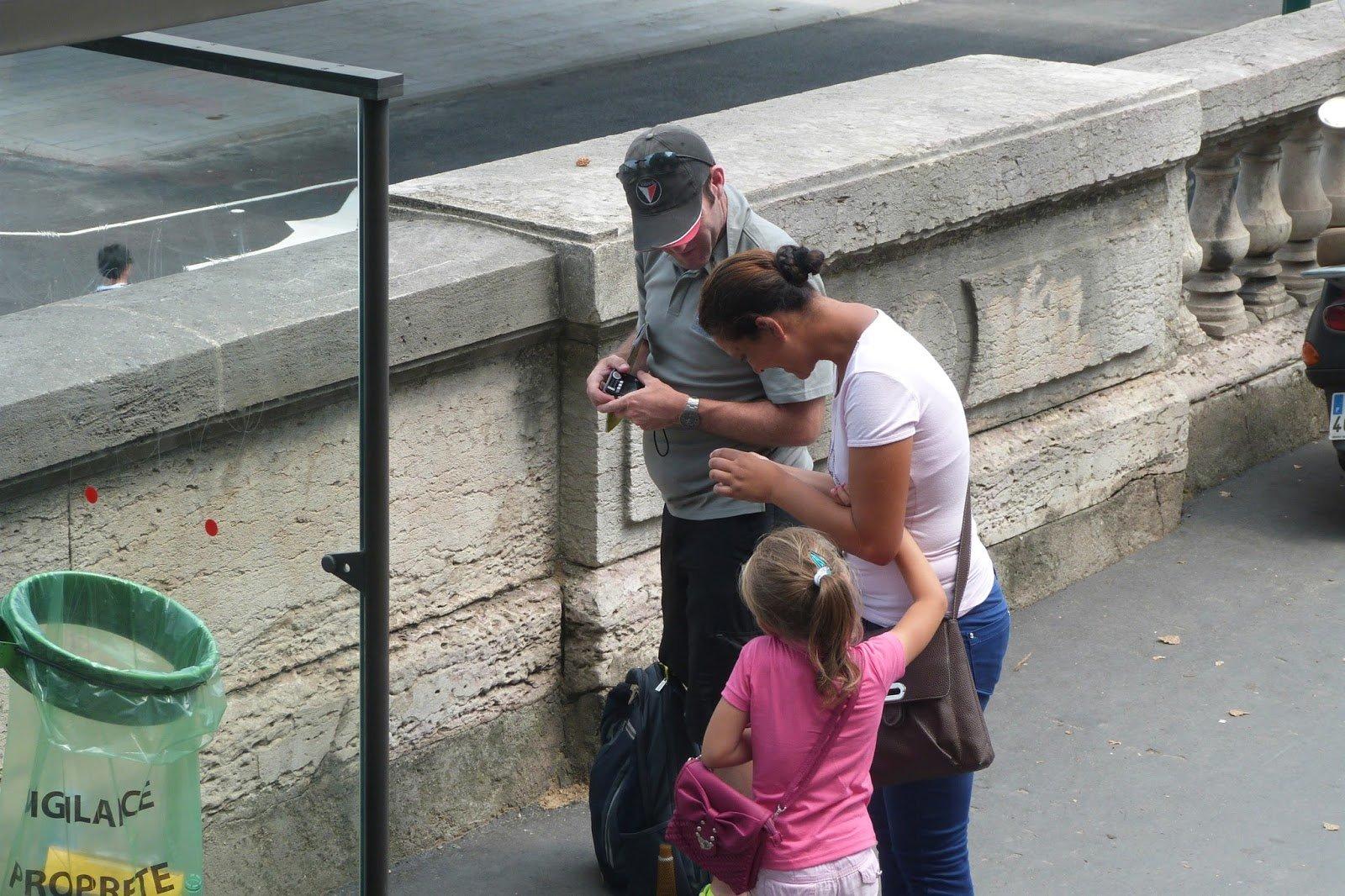 развод с кольцом в Париже