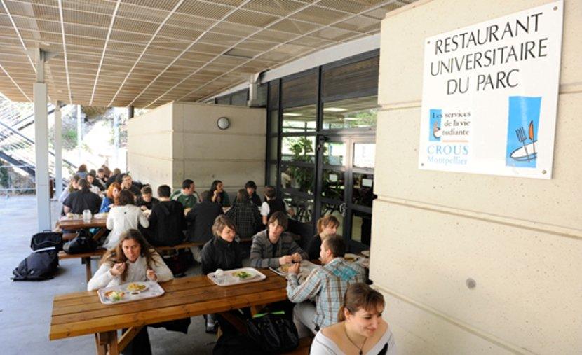 дешево поесть университетская столовая во Франции
