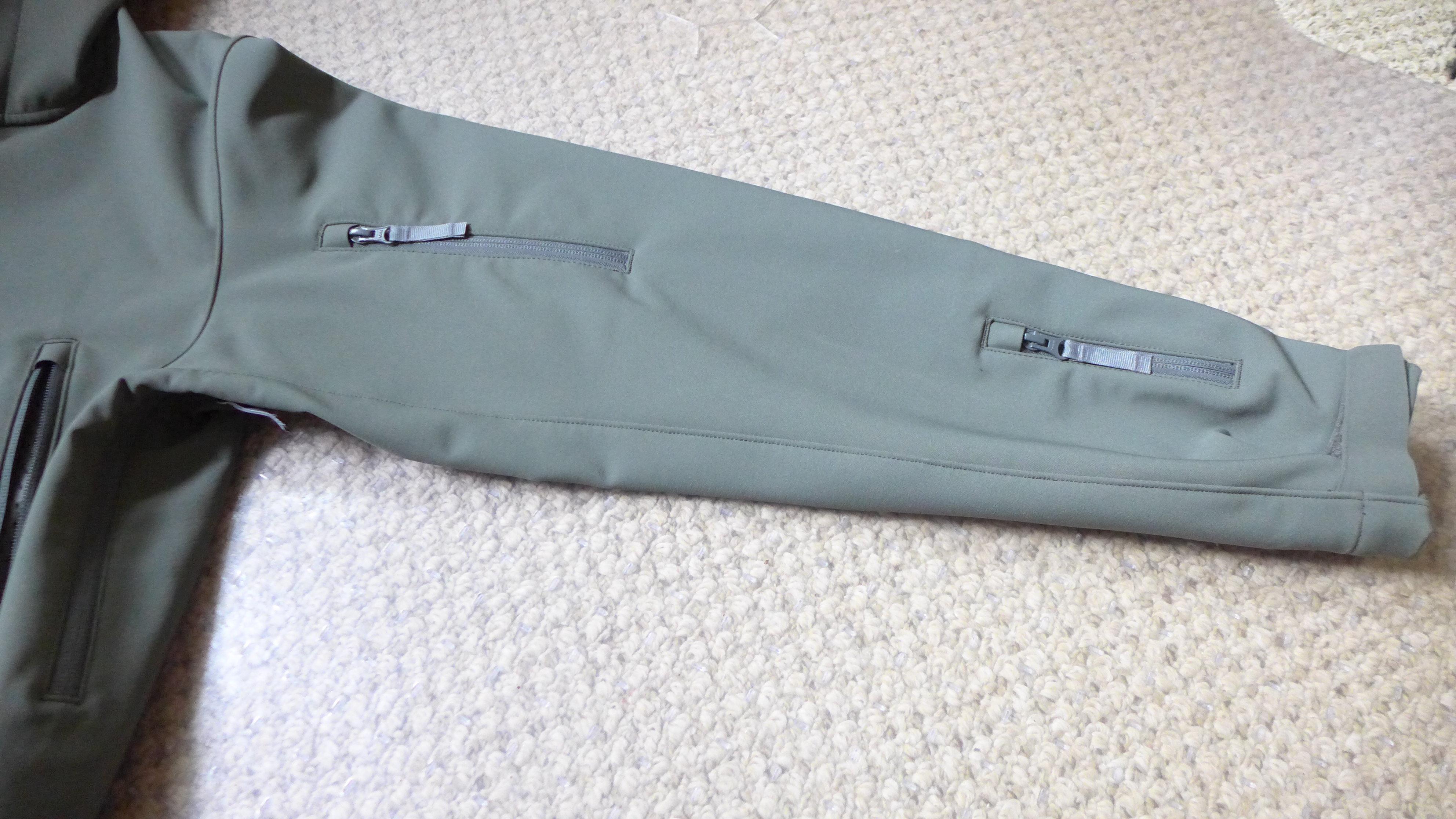 карман для ски-пасса в горнолыжной куртке