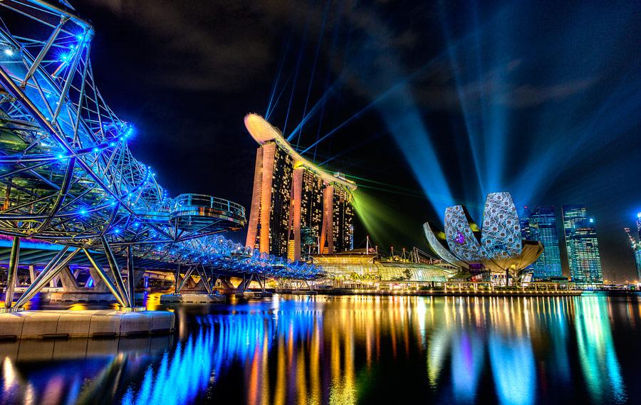 представление Laser Light Show Марина бей Сингапур