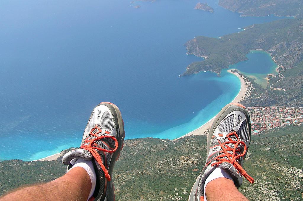 Paragliding-Oludeniz-Turkey-Paragliding-Feet
